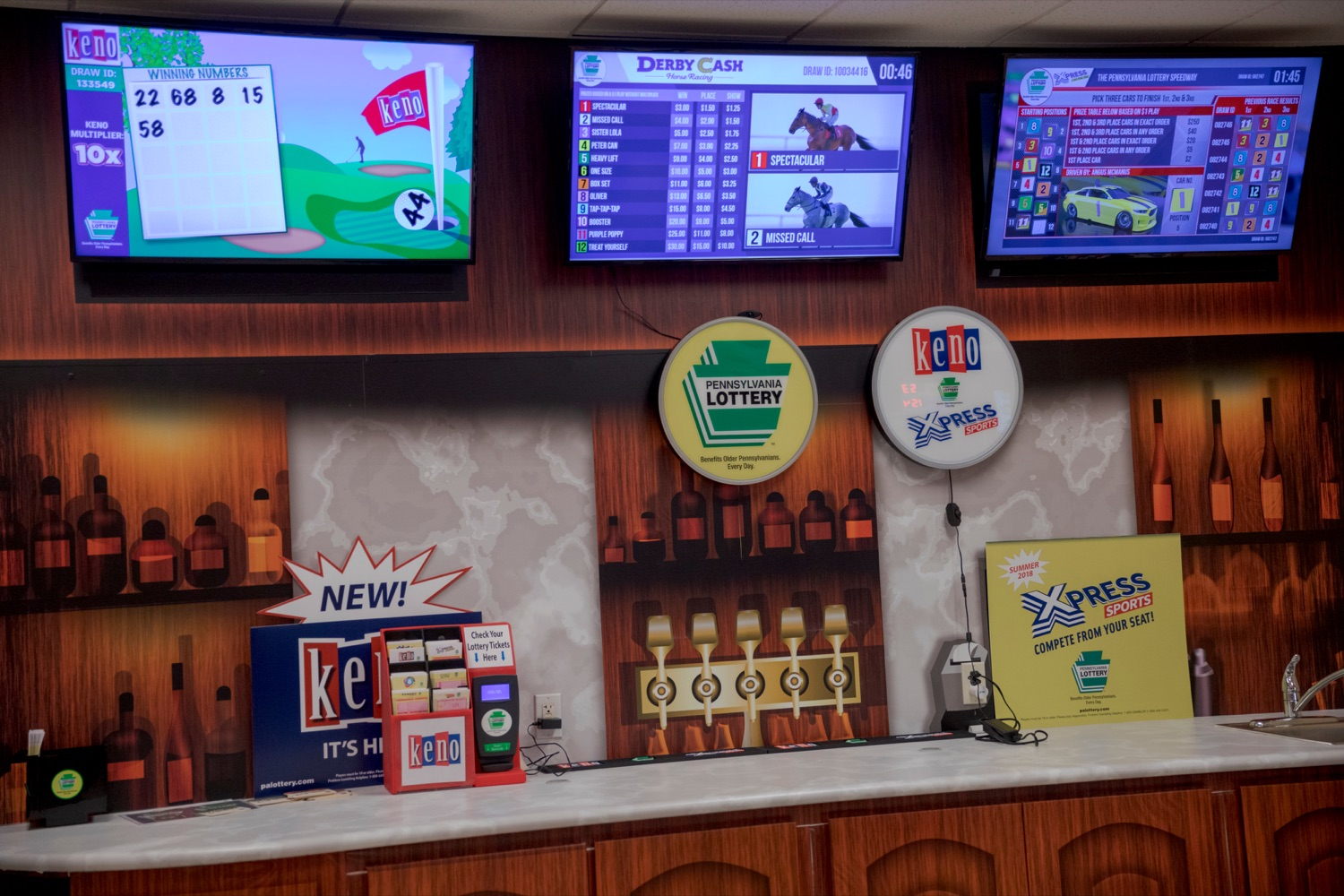 """<a href=""""http://filesource.abacast.com/commonwealthofpa/photo/17265_Lottery_Derby_Cash_NK_003.JPG"""" target=""""_blank"""">⇣Download Photo<br></a>The Pennsylvania Lottery today launched Derby Cash Horse Racing, a new and highly anticipated virtual horse racing game that will have players on the edge of their seats. Every five minutes, players have the chance to win up to $800,000 on a $1 play. Purchases can be made anywhere Lottery games are sold and races can be watched at nearly 2,000 of the Lotterys retailers, mainly at bars and restaurants."""