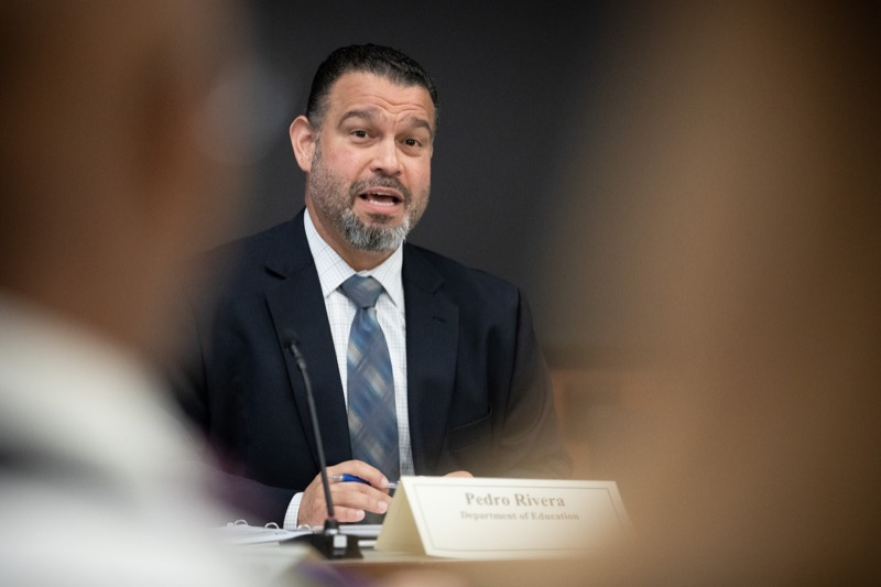 """<a href=""""http://filesource.abacast.com/commonwealthofpa/photo/17380_dhs_first_lady_college_dz_007.jpg"""" target=""""_blank"""">⇣Download Photo<br></a>Harrisburg, PA  Education Secretary Pedro Rivera speaking to community members gathered at the  Roundtable.  First Lady Frances Wolf today hosted a roundtable discussion with Education Secretary Pedro Rivera, Human Services Secretary Teresa Miller, higher education professionals, students, and anti-hunger advocates to discuss ways to address hunger and food insecurity on college campuses. Wednesday, September 11 2019"""