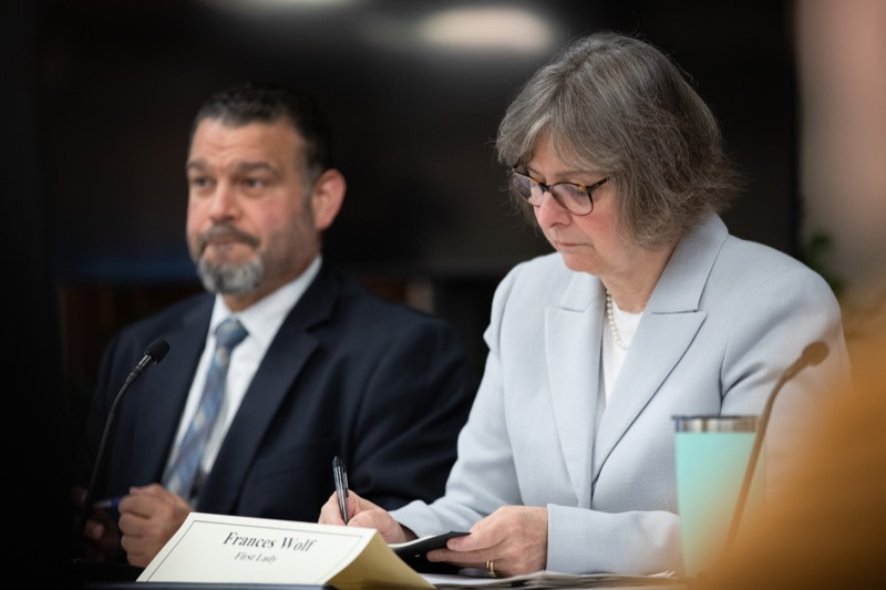 """<a href=""""http://filesource.abacast.com/commonwealthofpa/photo/17380_dhs_first_lady_college_dz_017.jpg"""" target=""""_blank"""">⇣Download Photo<br></a>Harrisburg, PA First Lady Frances Wolf taking notes at the  Roundtable. First Lady Frances Wolf today hosted a roundtable discussion with Education Secretary Pedro Rivera, Human Services Secretary Teresa Miller, higher education professionals, students, and anti-hunger advocates to discuss ways to address hunger and food insecurity on college campuses. Wednesday, September 11 2019"""