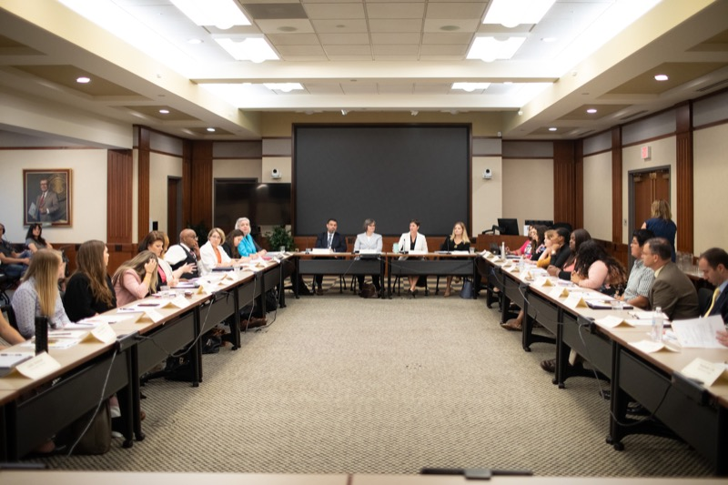 """<a href=""""http://filesource.abacast.com/commonwealthofpa/photo/17380_dhs_first_lady_college_dz_020.jpg"""" target=""""_blank"""">⇣Download Photo<br></a>Harrisburg, PA  First Lady Frances Wolf today hosted a roundtable discussion with Education Secretary Pedro Rivera, Human Services Secretary Teresa Miller, higher education professionals, students, and anti-hunger advocates to discuss ways to address hunger and food insecurity on college campuses. Wednesday, September 11 2019"""