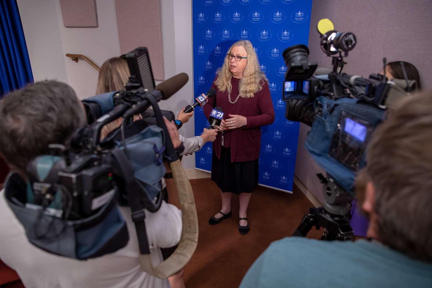 "<a href=""http://filesource.abacast.com/commonwealthofpa/photo/17415_DOH_RXGuidlines_AG_15.jpg"" target=""_blank"">⇣ Download Photo<br></a>Harrisburg, PA.  Dr. Rachel Levine, Secretary of the Pennsylvania Dept. of Health, speaking to media outlets after Wednesday's press conference announcing the latest updated prescribing guideline, Treating Pain in Patients with OUD, as part of the second Stop Overdoses in PA: Get Help Now Week, a statewide initiative to get the overdose reversal medication naloxone to Pennsylvanians and get help for residents suffering from the disease of opioid use disorder (OUD).  September 18, 2019"