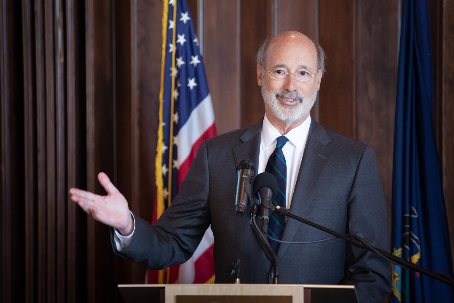 "<a href=""http://filesource.abacast.com/commonwealthofpa/photo/17467_gov_opioids_dz_001.JPG"" target=""_blank"">⇣ Download Photo<br></a>Boalsburg, PA  Governor Tom Wolf addressing the summit.  Governor Tom Wolf today kicked off his administrations first Opioid Command Center Opioid Summit: Think Globally, Act Locally, which brought together 200 individuals helping their communities fight the opioid crisis, including community organizations, non-profits, schools, health care workers, addiction and recovery specialists, and families affected by the opioid crisis.  Tuesday, October 1, 2019"
