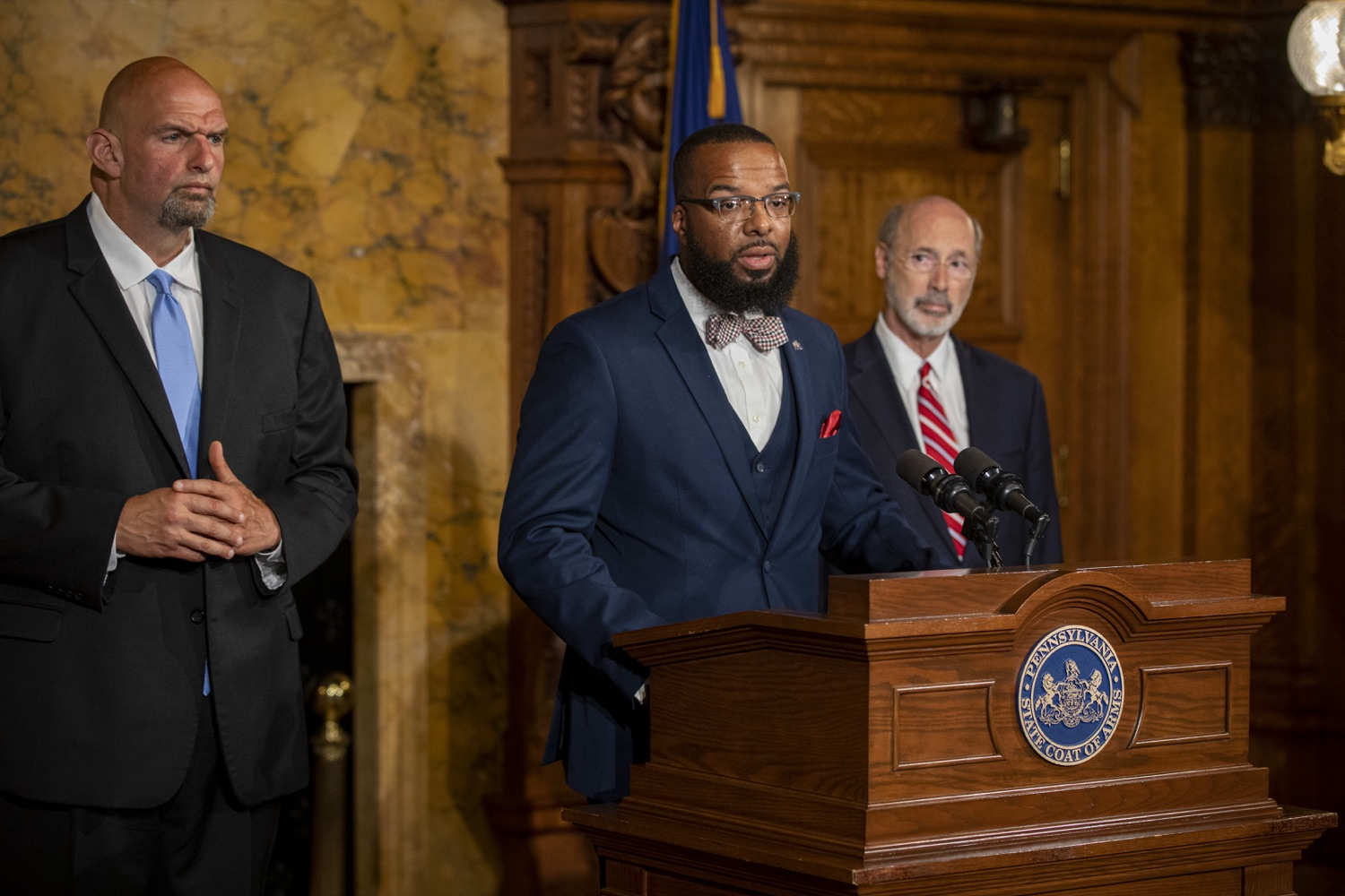 "<a href=""http://filesource.abacast.com/commonwealthofpa/photo/17468_GOV_BOP_DE_008.jpg"" target=""_blank"">⇣ Download Photo<br></a>Gov. Wolf, Lt. Gov, Pardons Board Provide Update on Pardons Process, Benefit to Those with Marijuana Convictions"