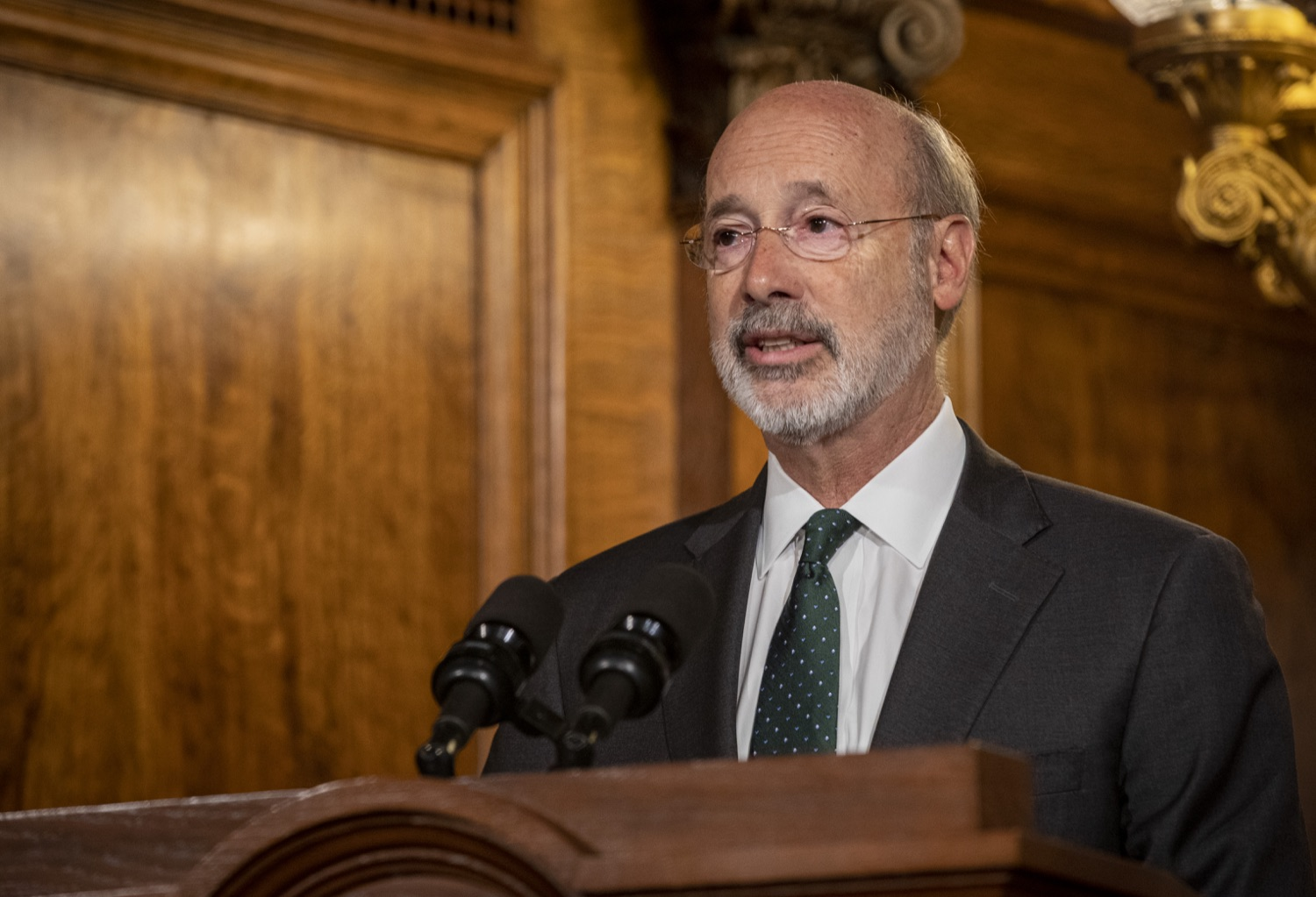"""<a href=""""http://filesource.abacast.com/commonwealthofpa/photo/17469_GOV_ClimateChange_DE_007.jpg"""" target=""""_blank"""">⇣Download Photo<br></a>Governor Wolf Takes Executive Action to Combat Climate Change, Carbon Emissions"""