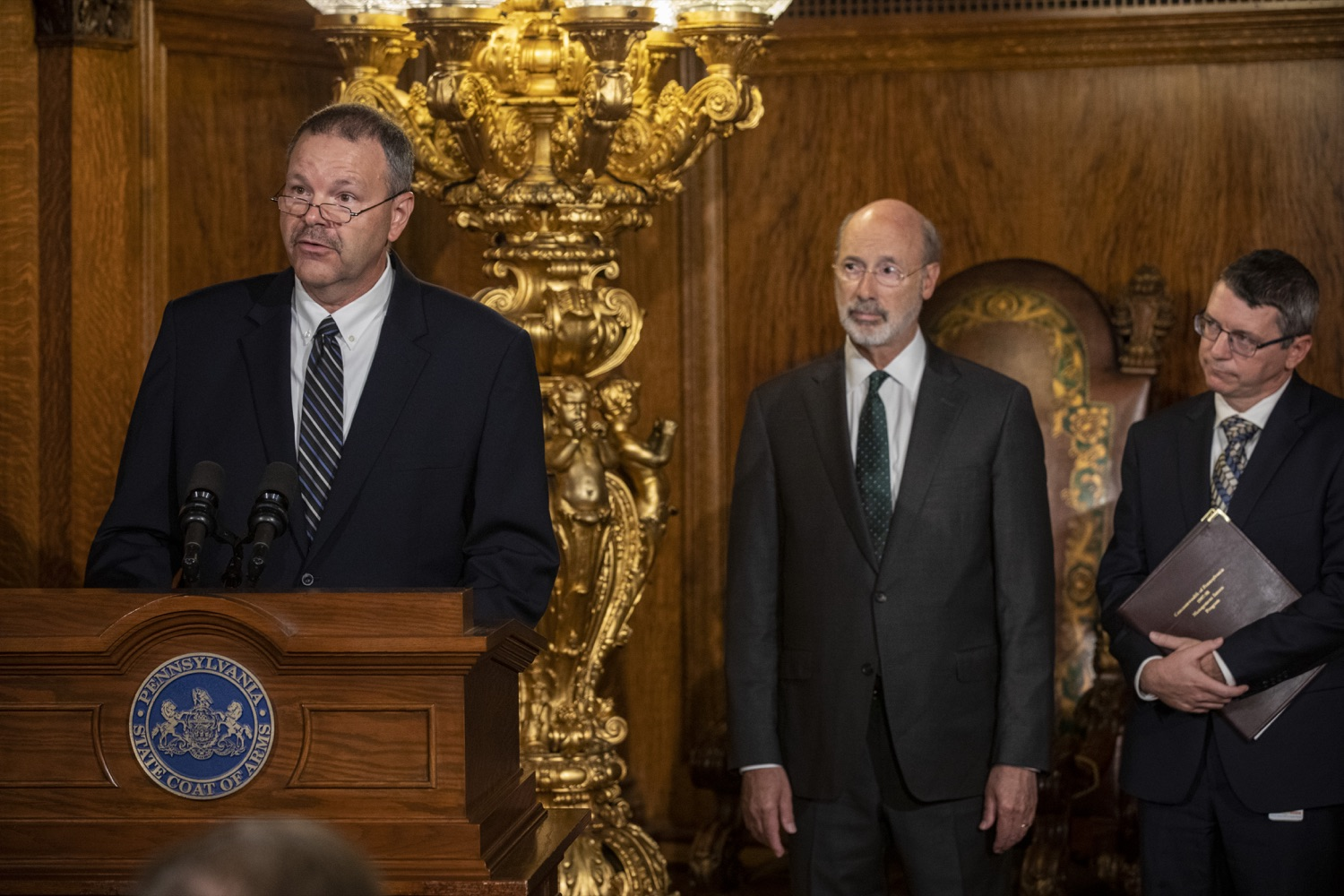 """<a href=""""http://filesource.abacast.com/commonwealthofpa/photo/17469_GOV_ClimateChange_DE_009.jpg"""" target=""""_blank"""">⇣Download Photo<br></a>Governor Wolf Takes Executive Action to Combat Climate Change, Carbon Emissions"""