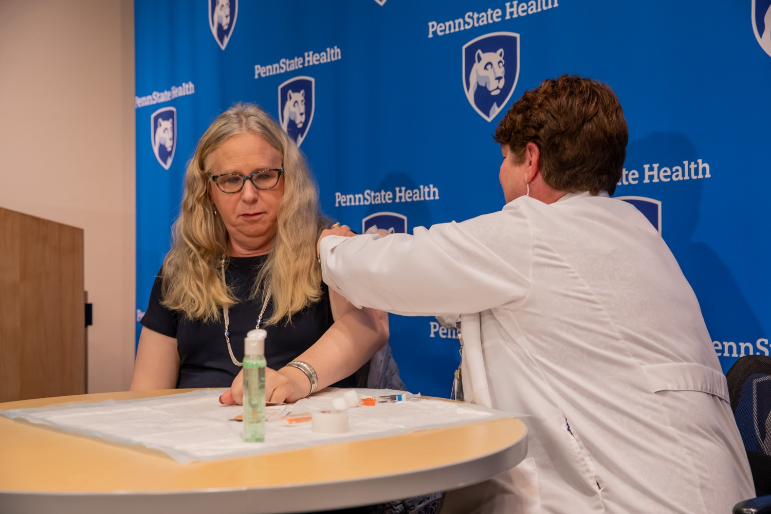 "<a href=""http://filesource.abacast.com/commonwealthofpa/photo/17471_DOH_FluSeason_AG_10.jpg"" target=""_blank"">⇣ Download Photo<br></a>Harrisburg, PA.  Secretary of Health Dr. Rachel Levine reciving her flu vaccine from Penn State Health RN Lori Bechtel at today's event at the Penn State Health Milton S. Hershey Medical Center.  The Department of Health reminds residents that it is time to get their flu vaccine, as flu season officially starts this month and runs until May.   October 8, 2019."