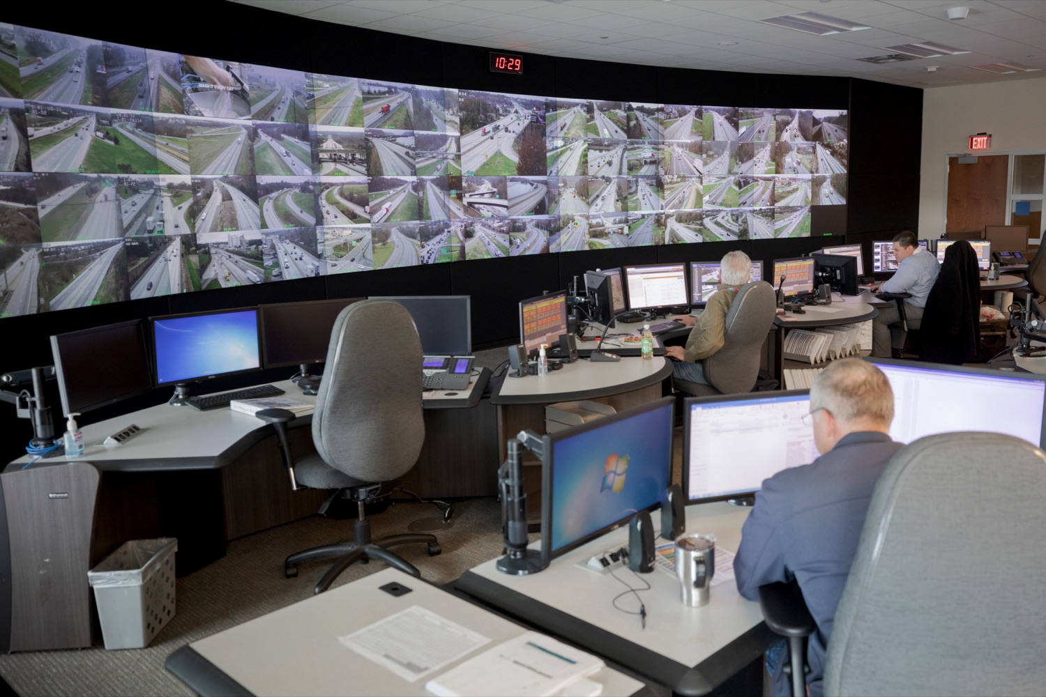 "<a href=""http://filesource.abacast.com/commonwealthofpa/photo/17571_PSP_Thanksgiving_NK_004.JPG"" target=""_blank"">⇣ Download Photo<br></a>The PennDOT Regional Traffic Management Center at the Pennsylvania Emergency Management Agency (PEMA) on Monday, November 18, 2019."