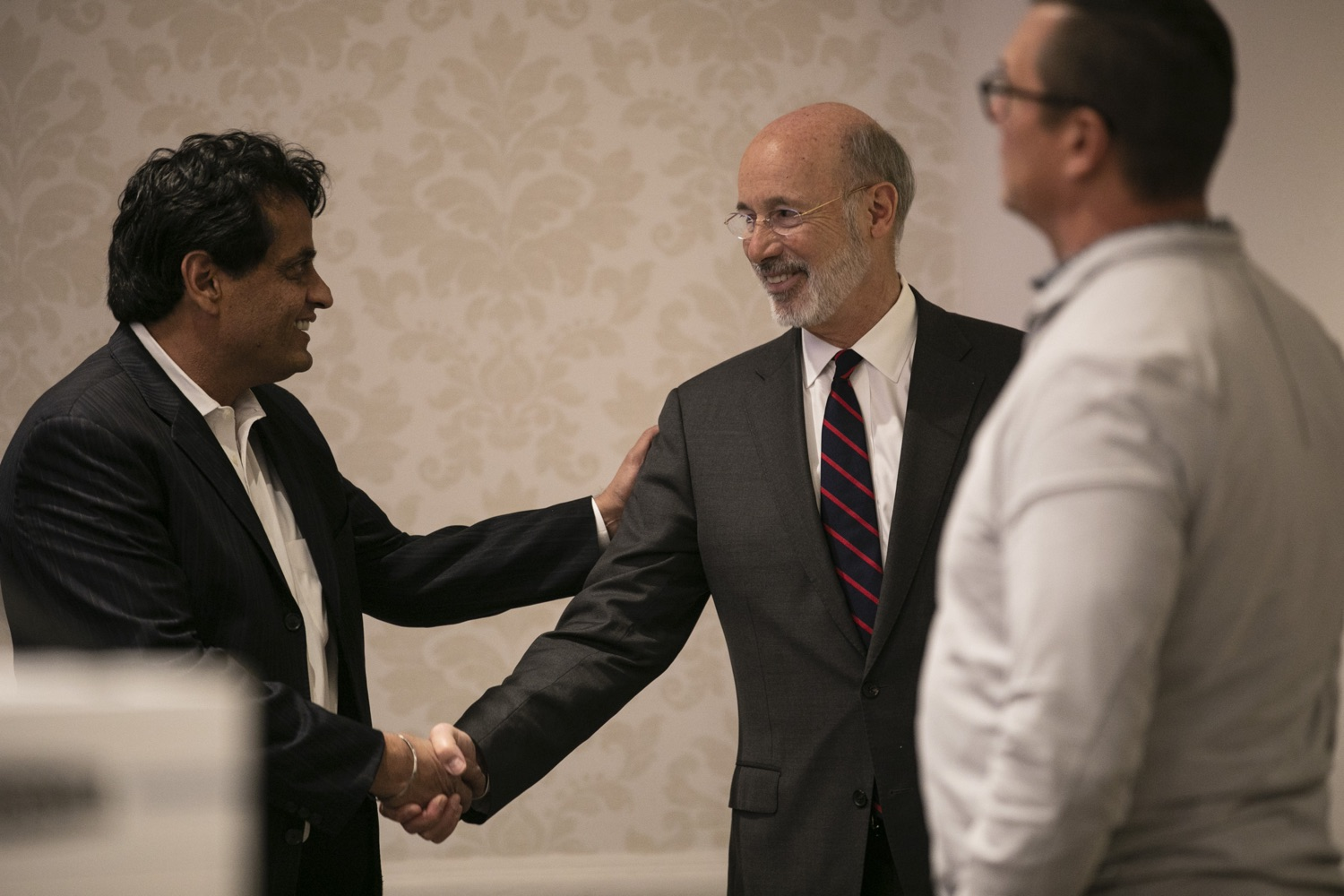 """<a href=""""http://filesource.abacast.com/commonwealthofpa/photo/17575_gov_philly_opioids_amb_002.jpg"""" target=""""_blank"""">⇣Download Photo<br></a>Governor Tom Wolf provides an update on the states progress in battling the opioid epidemic during the Pennsylvania Orthopaedic Societys Fall Meeting and Symposium. Department of Health Secretary Dr. Rachel Levine joined the governor on the opioid panel discussion. November 8, 2019. Philadelphia, PA."""