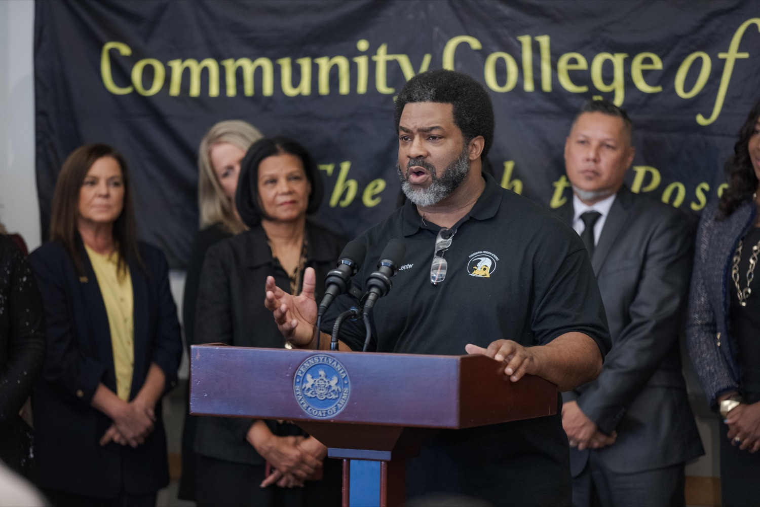 "<a href=""http://filesource.abacast.com/commonwealthofpa/photo/17592_EDU_Aspiring_NK_006.JPG"" target=""_blank"">⇣ Download Photo<br></a>Sharif El-Mekki, founder of the Center for Black Educator Development, speaks during a press conference, announcing the School District of Philadelphia's new pilot program, Aspiring to Educate, that aims to cultivate and diversify the citys educator pool, inside Community College of Philadelphia's Center for Business and Industry on Wednesday, November 20, 2019."