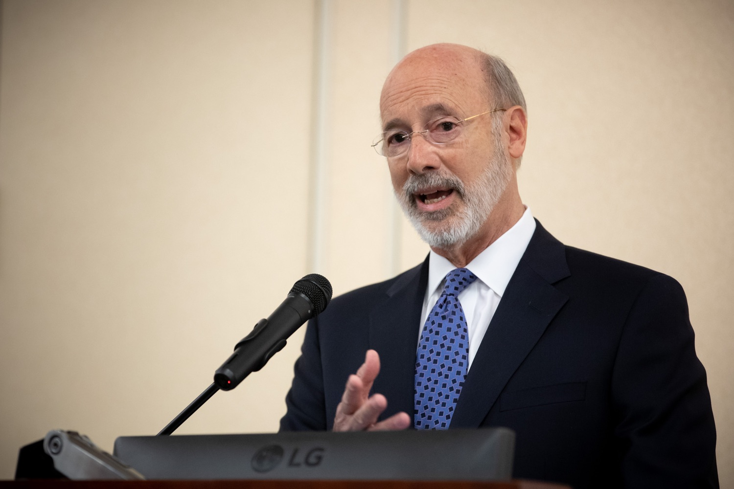 "<a href=""http://filesource.abacast.com/commonwealthofpa/photo/17598_gov_charter_schools_dz_002.jpg"" target=""_blank"">⇣ Download Photo<br></a>Pennsylvania Governor Tom Wolf speaks about charter school reform at a meeting of the Pennsylvania Association of School Administrators.  Governor Tom Wolfs commonsense plan to improve the educational quality of charter schools and control rising costs will save nearly $280 million a year, the governor told the Pennsylvania Association of School Administrators today. The governor has a three-part plan to fix Pennsylvanias charter school law which is regarded as one of the worst in the nation.  - Harrisburg, PA. Friday, November 15, 2019."