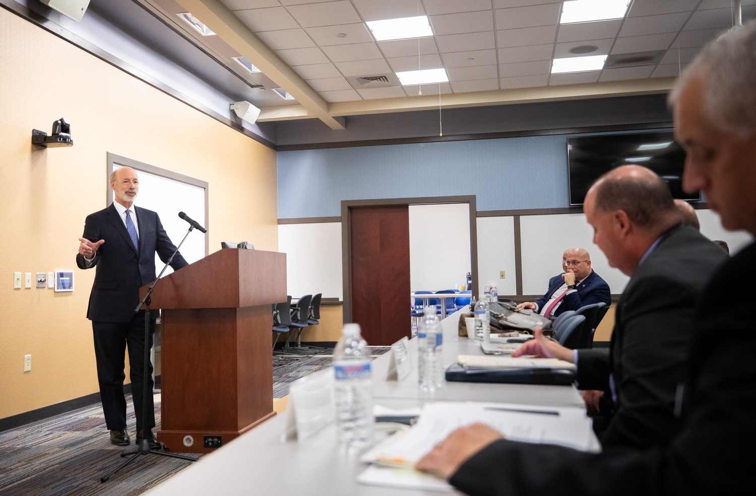 "<a href=""http://filesource.abacast.com/commonwealthofpa/photo/17598_gov_charter_schools_dz_012.jpg"" target=""_blank"">⇣ Download Photo<br></a>Pennsylvania Governor Tom Wolf responds to questions about charter school reform from Pennsylvania Association of School Administrators President, Dr. Jeffrey Fuller at a meeting of the Pennsylvania Association of School Administrators.  Governor Tom Wolfs commonsense plan to improve the educational quality of charter schools and control rising costs will save nearly $280 million a year, the governor told the Pennsylvania Association of School Administrators today. The governor has a three-part plan to fix Pennsylvanias charter school law which is regarded as one of the worst in the nation.  - Harrisburg, PA. Friday, November 15, 2019."