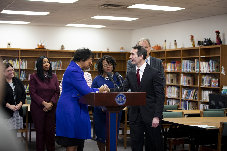 "<a href=""http://filesource.abacast.com/commonwealthofpa/photo/17611_AUD_GEN_HBG_AUDIT_UPDATE_CZ_08.JPG"" target=""_blank"">⇣Download Photo<br></a>Auditor General Eugene DePasquale greets Harrisburg School District Receiver Janet C. Samuels at Foose Elementary, in Harrisburg on November 25, 2019."